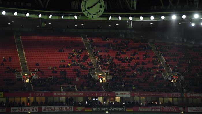 Arsenal menjamu Frankfurt di matchday V Liga Europa, Jumat (29/11/2019) dini hari WIB. Meski laga ini masih menentukan untuk Arsenal, tak banyak suporter yang datang ke stadion. Foto: Mike Hewitt/Getty Images