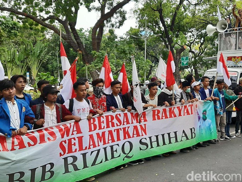 Usai Audiensi, Massa yang Demo di Kemenko Polhukam Bubarkan Diri