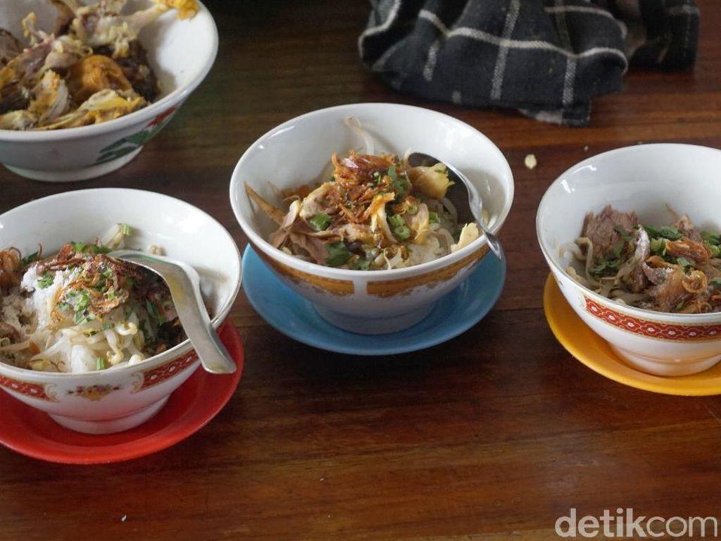 Segarnya Soto Kwali Mbak Dewi dengan Isian Daging