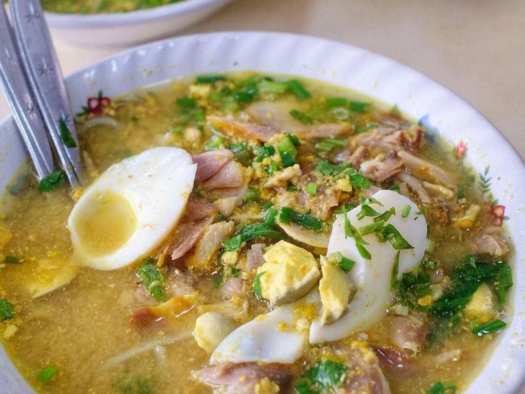 Sarapan Rek! Ayo, Mampir di 5 Tempat Makan Soto Populer di Surabaya Ini!