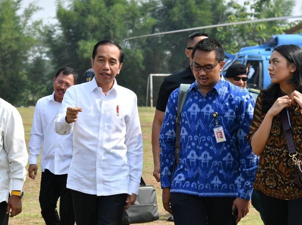 Jokowi soal Stuck 30 Menit: Bukan Macet Hahaha, Itu Berhenti di Casablanca