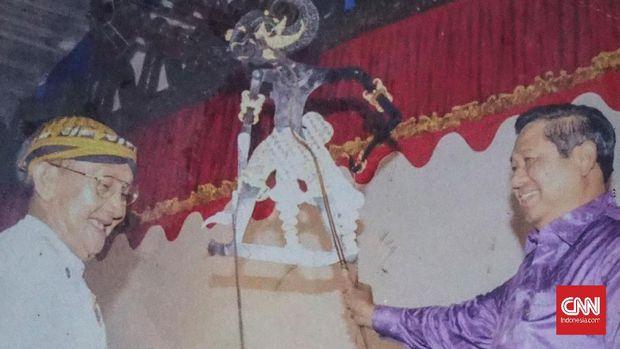 Ki Manteb Soedharsono, Dalang Setengah Dewa dari Karanganyar