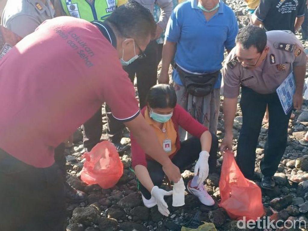 Warga Dihebohkan Penemuan Benda Mirip Orok Bayi di Pantai Buleleng Bali
