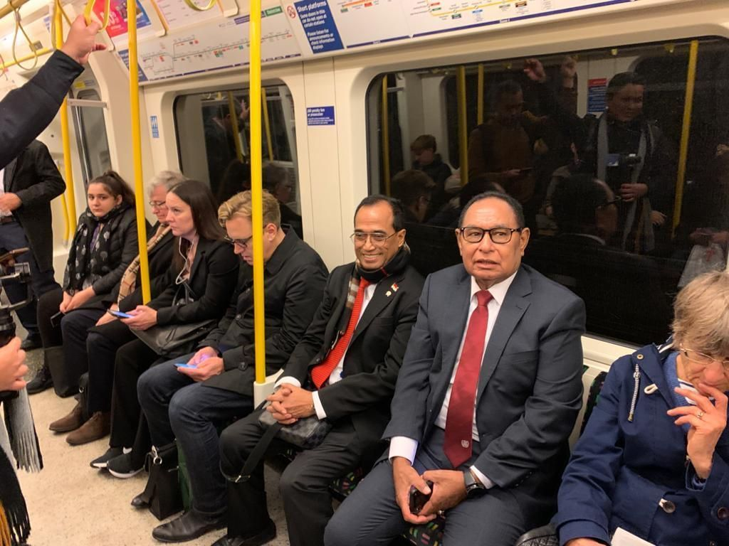 Jajal MRT di London, Menhub: Yang Naik Pelajar Sampai Bos