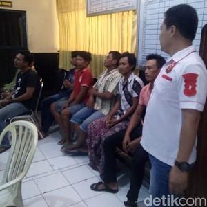 Buntut Warga Lamongan Tuntut Perangkat Dipecat karena Mesum, 8 Orang Ditangkap