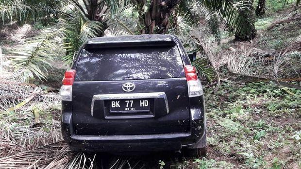 Mobil Hakim Jamaluddin ditemukan di jurang di Deli Serdang.