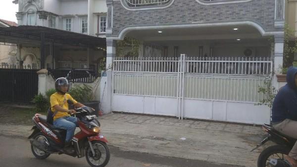 Rumah hakim Pengadilan Negeri (PN) Medan, Jamaluddin, yang ditemukan tewas di dalam mobilnya di area kebun sawit di Deli Serdang, Sumatera Utara. (Datuk Haris Molana/detikcom)