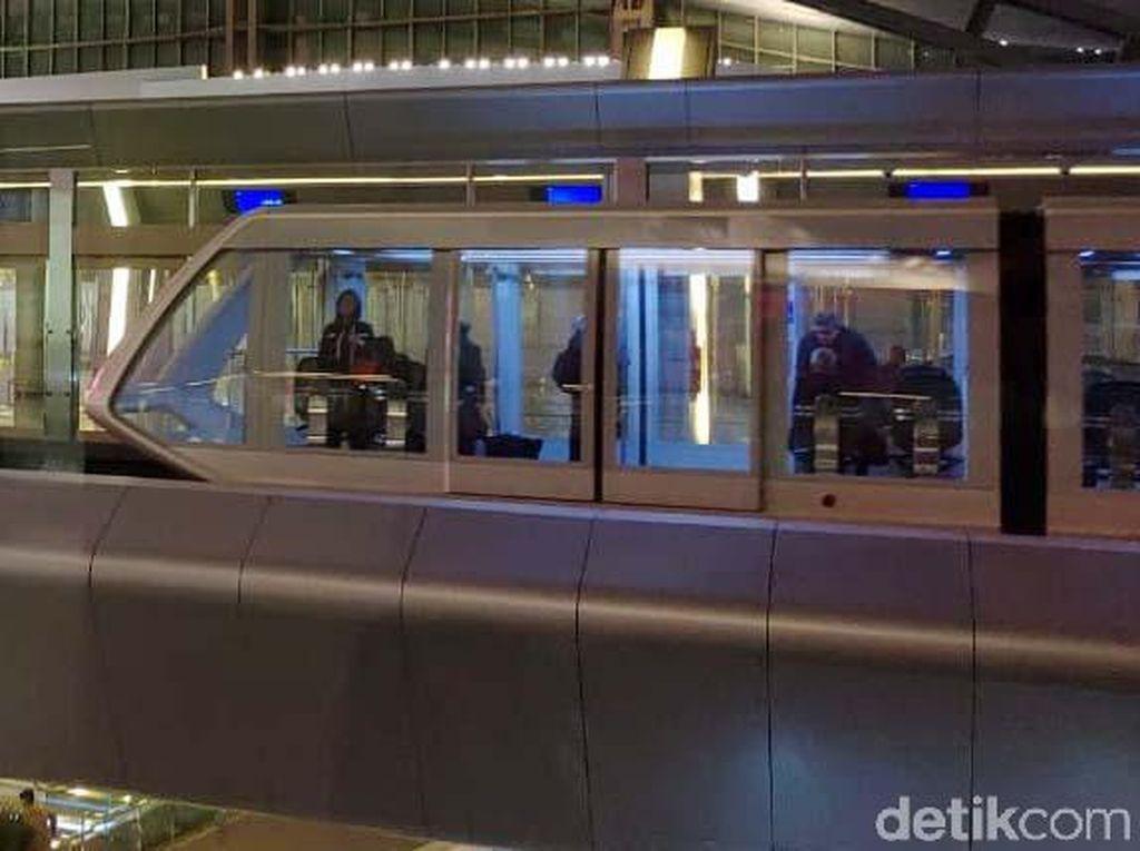 Futuristik! Penampakan Kereta Layang Bandara Hamad di Qatar
