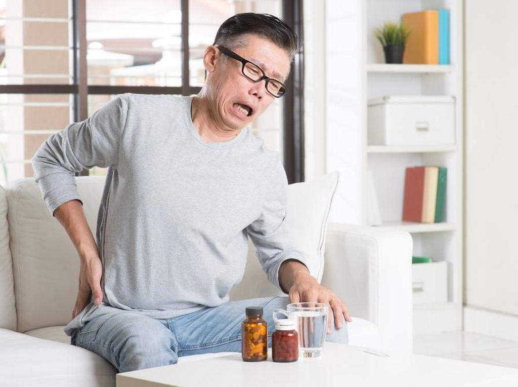 Tips Jaga Kesehatan Tulang dan Sendi di Usia Senja