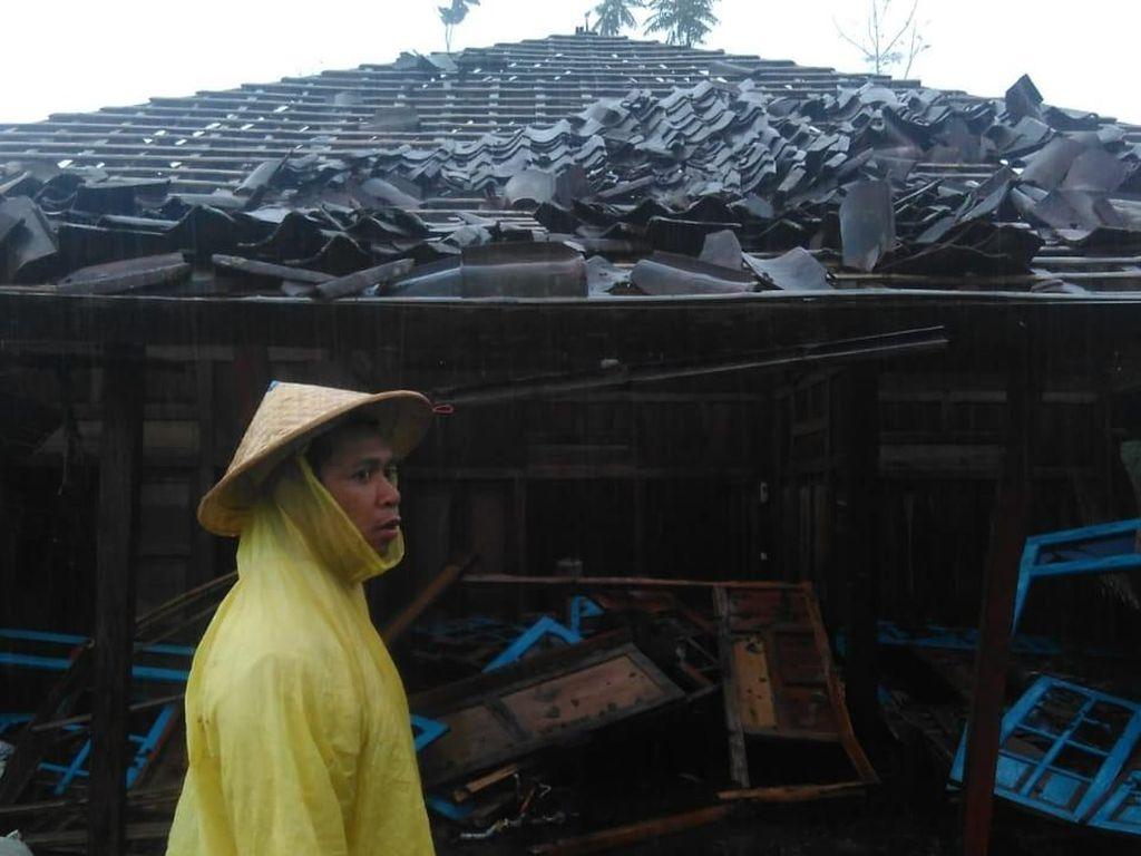 Angin Kencang Melanda Magelang, 71 Rumah Warga Rusak
