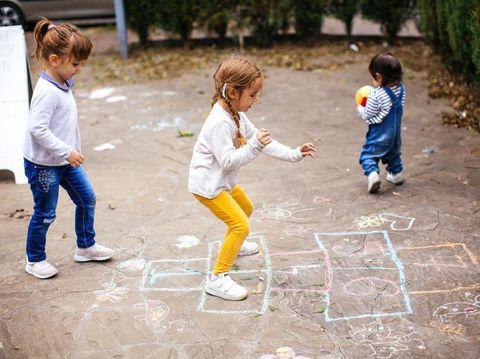 7 Manfaat Anak Bermain di Luar Ruangan yang Jarang Disadari Orang Tua