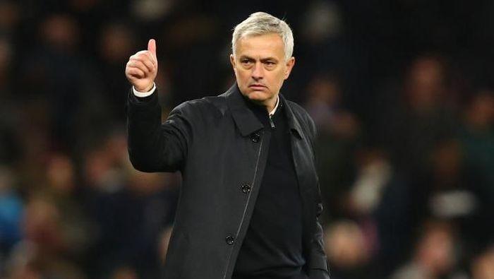 Jose Mourinho ditunggu sebuah rekor saat Tottenham menyambangi MU di tengah pekan ini. (Foto: Julian Finney/Getty Images)