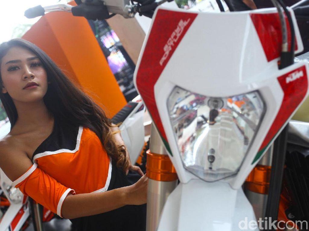 KTM Luncurkan Motor Terabas 2 Tak di IIMS Motobike Expo