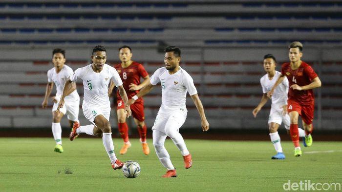 Timnas Indonesia U-22 turun ke peringkatt ketiga Klasemen Grup B SEA Games 2019. (Foto: Grandyos Zafna/detikcom)