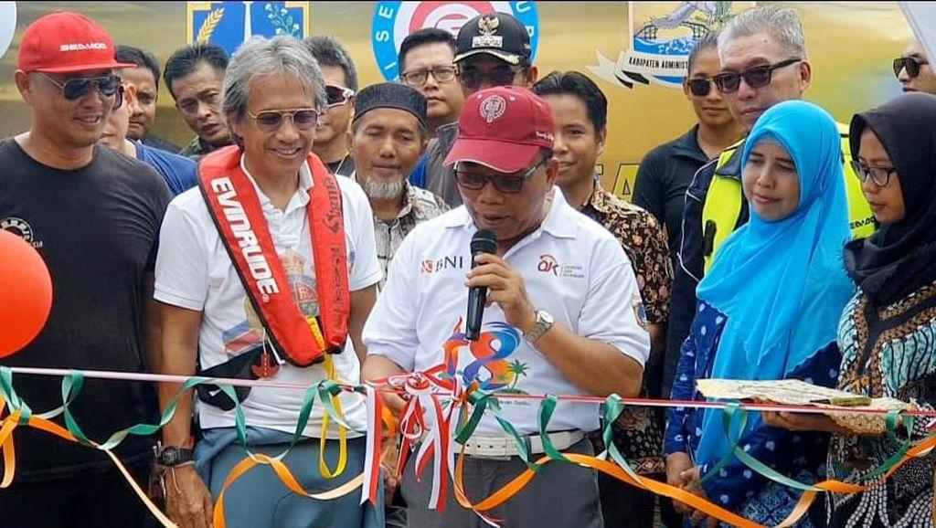 Pecinta Jetski Bangun Rumah Pintar di Kepulauan Seribu