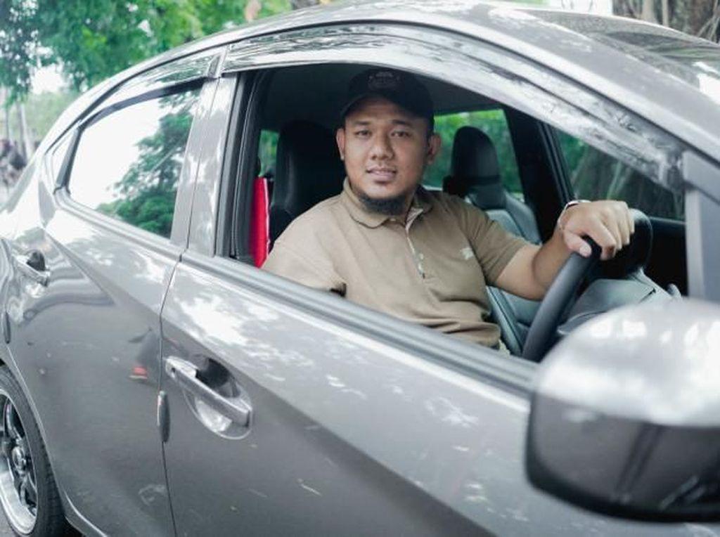 Kenalan dengan Fajar Shiddiq, Driver GrabCar Tuli Pertama di Bandung