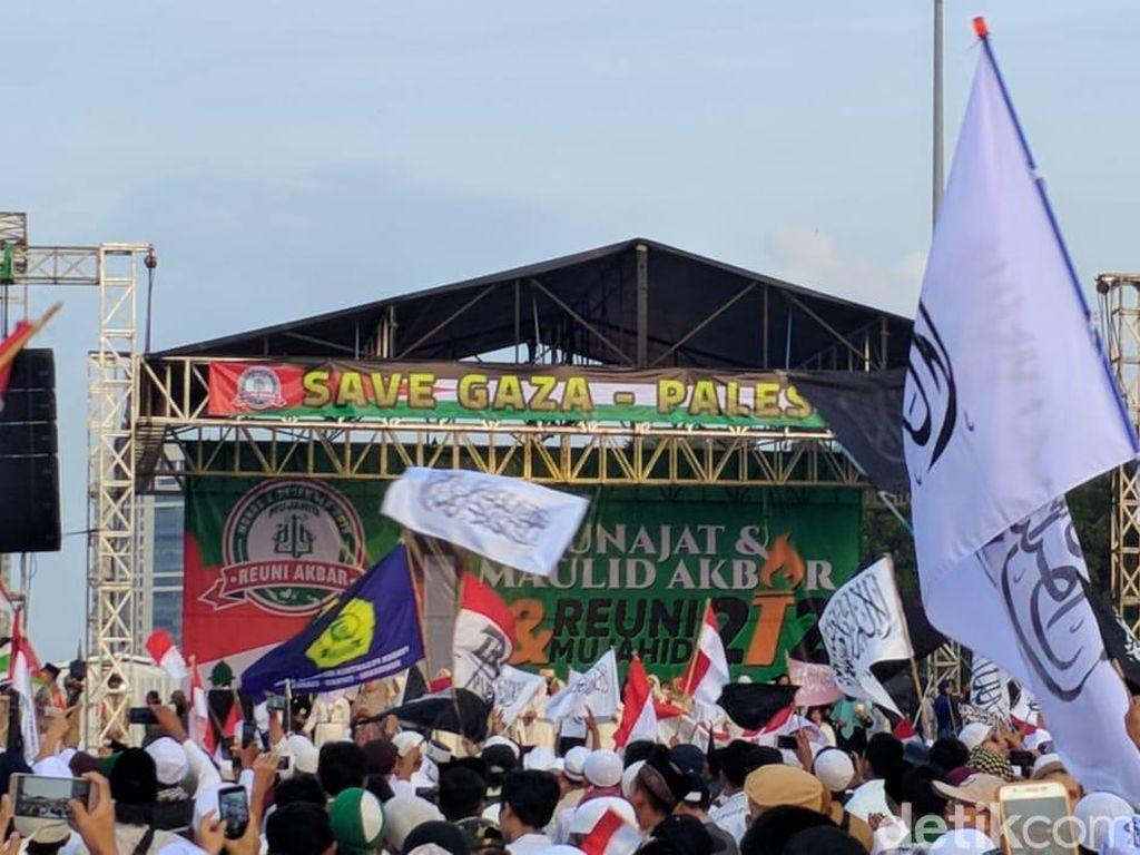 Reuni 212 Singgung Kasus Sukmawati Bandingkan Nabi-Sukarno