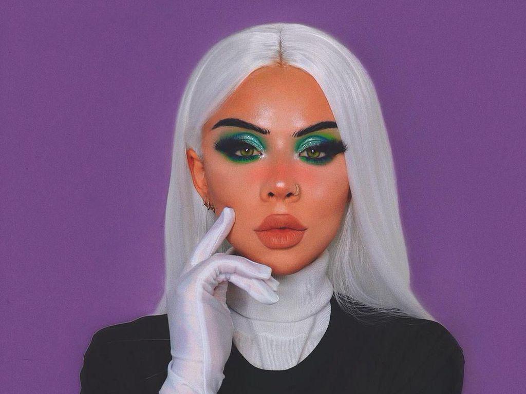 Foto: Eleanor Barnes, Beauty Influencer yang Bisa Ubah Diri Jadi Tokoh Kartun