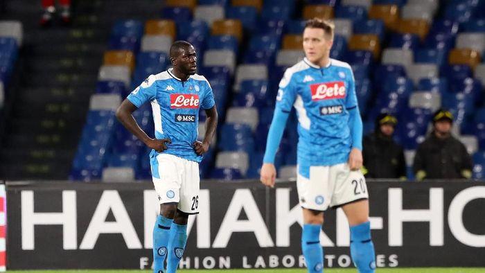 Napoli gagal menang lagi di Liga Italia. Mereka malah dapat malu setelah dikalahkan Bologna di kandang sendiri (Francesco Pecoraro/Getty Images)