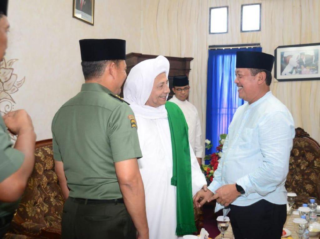 Anies hingga Wamenhan Hadiri Maulid Nabi Bersama Habib Luthfi