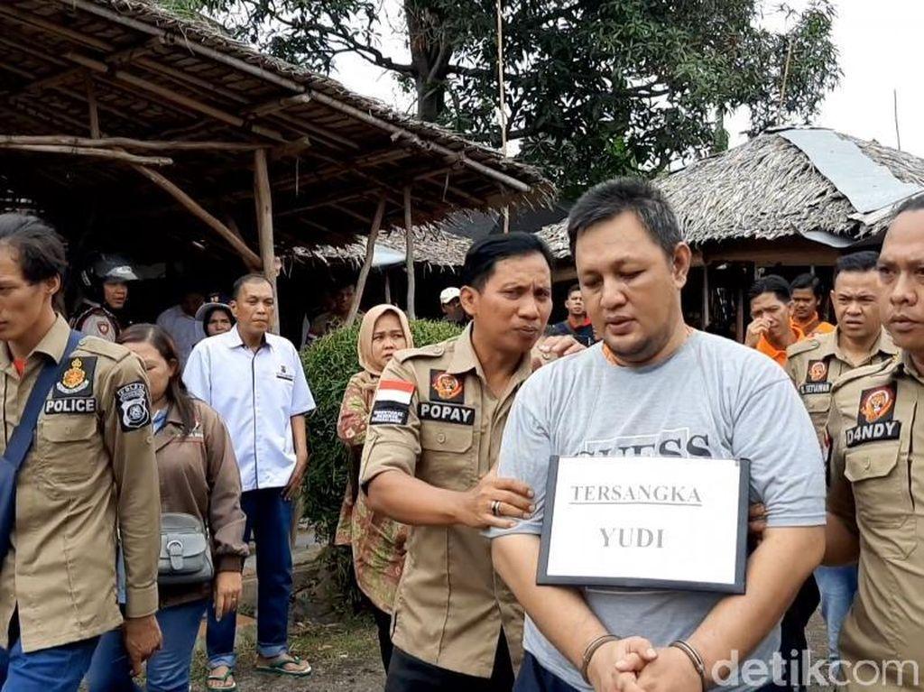 Rekonstruksi Pembunuhan PNS di Palembang, Korban Dijerat Lalu Dicor Semen