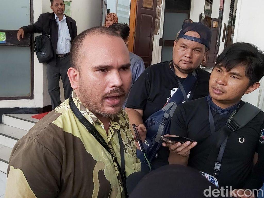 Polisi Bakal Jemput Paksa Arya Claporth karena Kasus KDRT Karen Poore