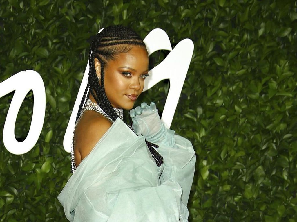 Bisnis Fashion, Rihanna Raih Penghargaan di British Fashion Awards 2019