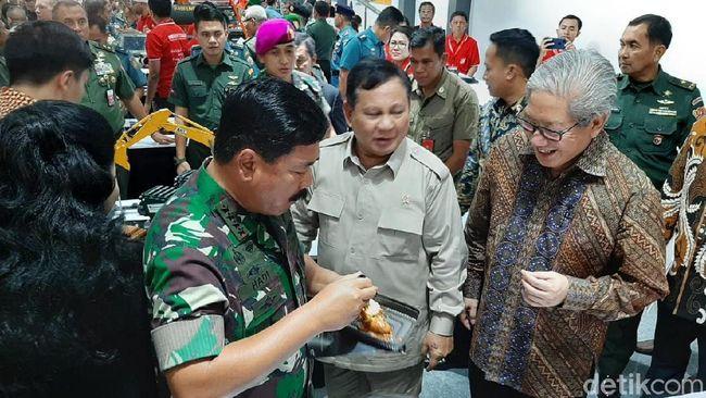 Berita Prabowo dan Panglima TNI Tinjau Pameran Alutsista di Kemhan Jumat 3 Juli 2020