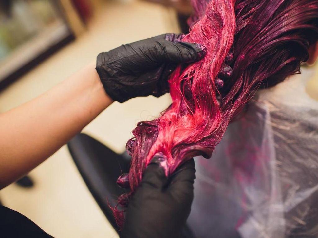 Suka Ngecat Rambut? Studi Sebut Bisa Tingkatkan Risiko Kanker Payudara