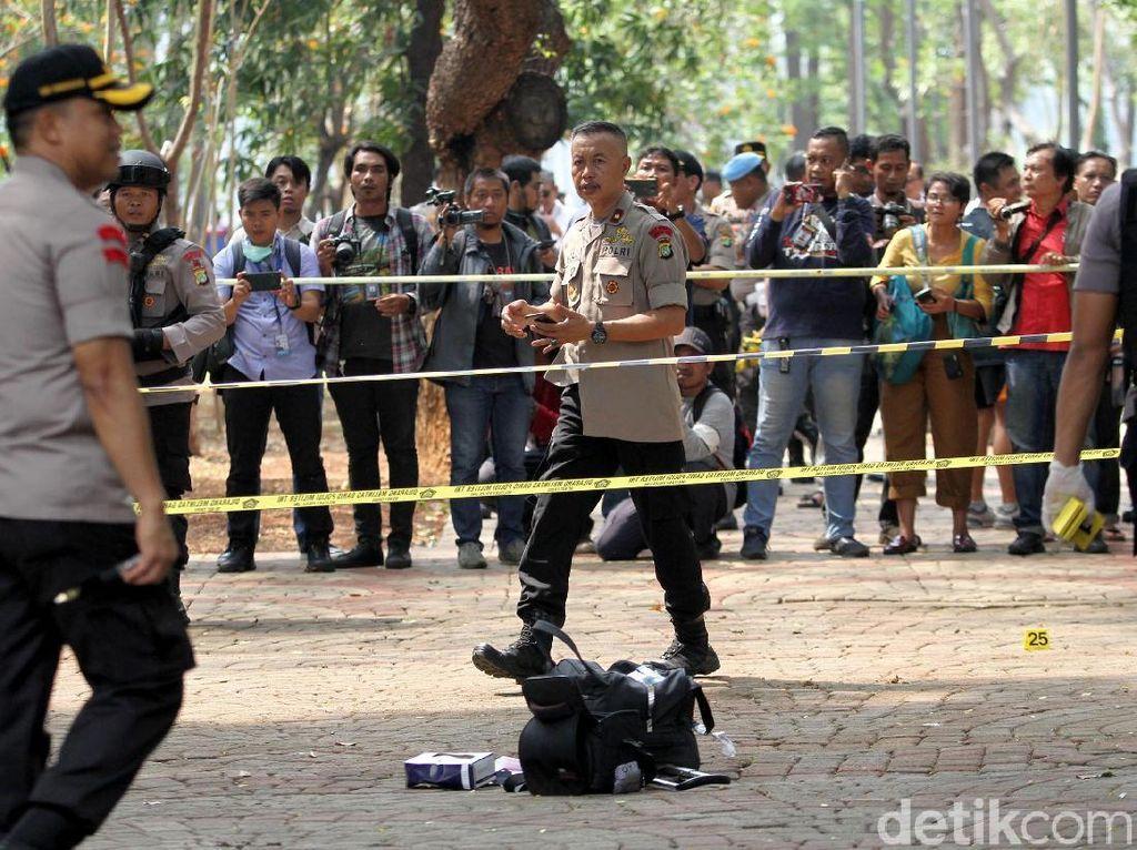 Lokasi Ledakan di Monas Digaris Polisi