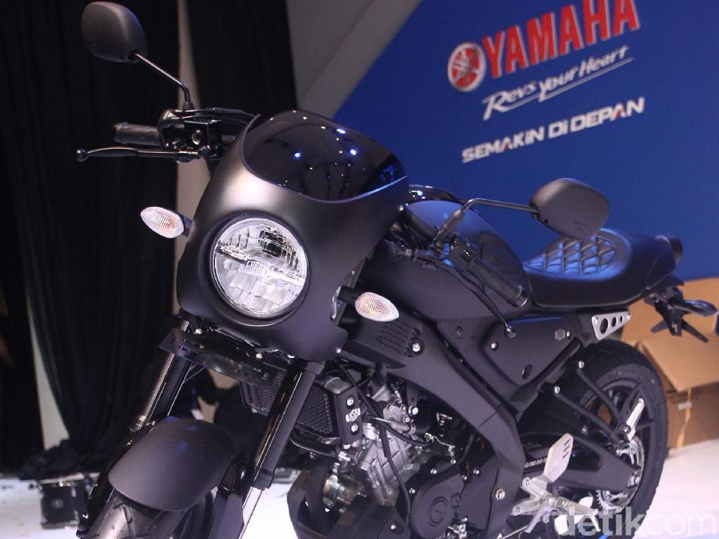 Yamaha XSR 155 Bergaya Cafe Racer