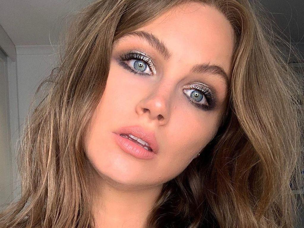Foto: Ksenija Lukich, Model & Presenter Serbia yang Kecantikannya Bak Princess