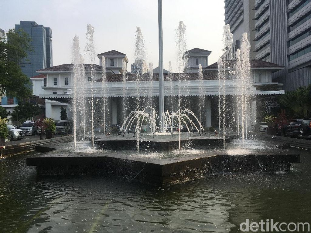Video Siaga Corona, Kini Masuk Balai Kota DKI Dicek Suhu Tubuh