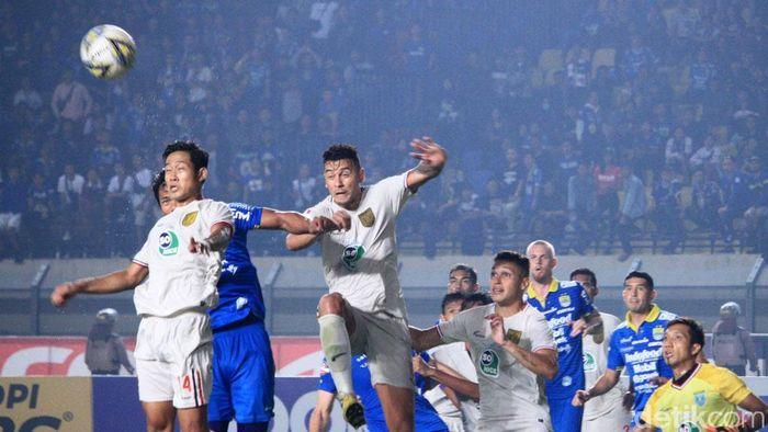 Persib Bandung kalah 0-2 dari Persela Lamongan di Si Jalak Harupat pada laga pekan ke-30 Liga 1 2019. (Foto: Wisma Putra/detikSport)