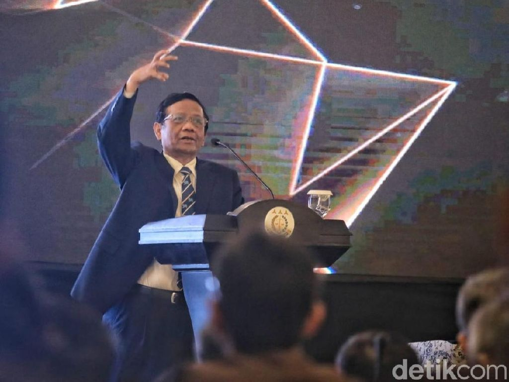 Mahfud: Hukuman Mati untuk Koruptor Ada UU-nya, Pak Jokowi Benar