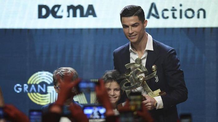 Cristiano Ronaldo absen di penghargaan Ballon dOr 2019. (Foto: Miguel MEDINA / AFP)