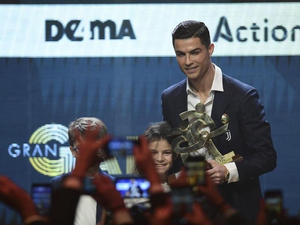 Kakak Ronaldo Ngomel, Tak Terima dengan Guyon Van Dijk di Acara Ballon dOr