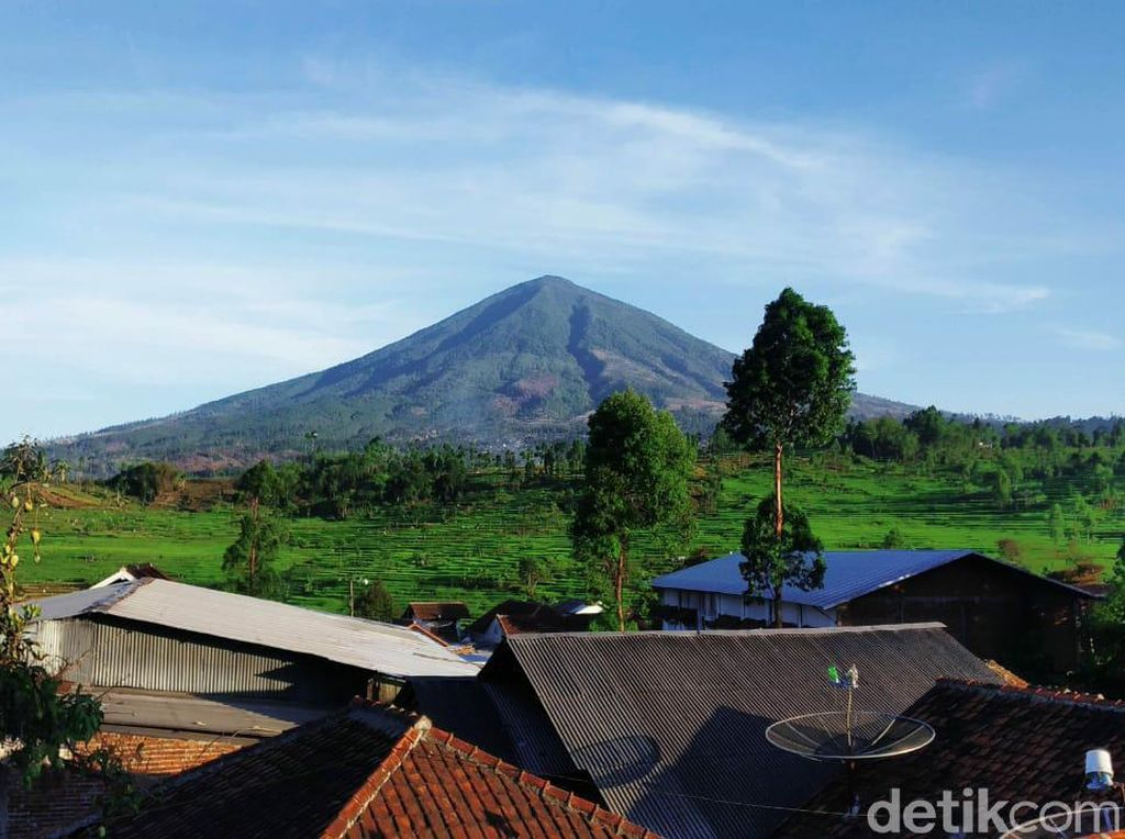 Hilang di Gunung Cikuray, Pendaki Asal Jakarta Ditemukan Selamat
