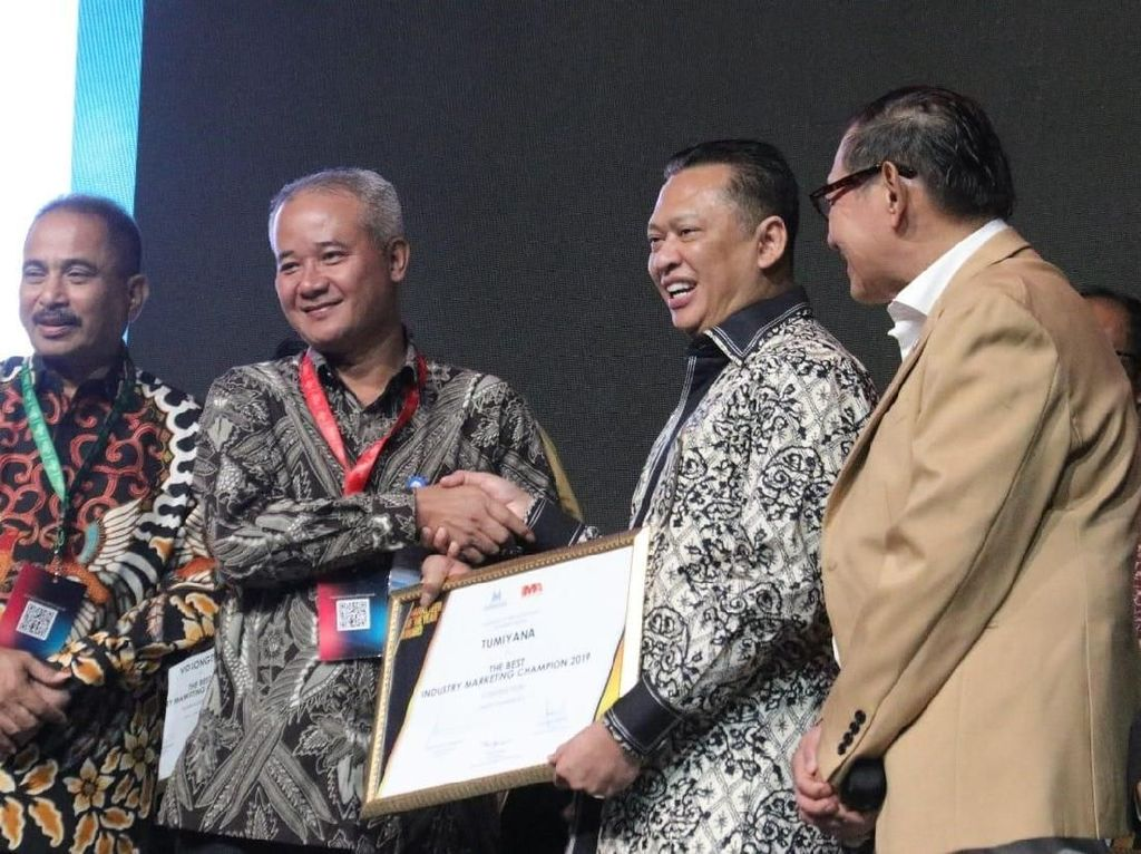 Bos WIKA Sabet Penghargaan Marketeer of The Year 2019