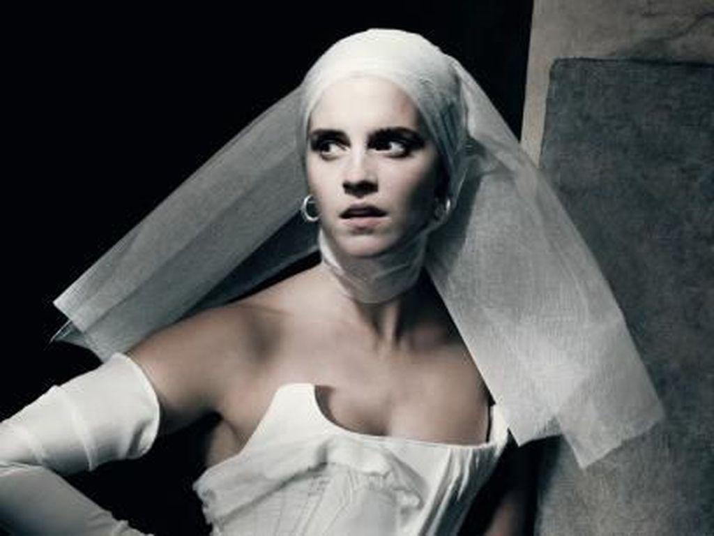 Penampilan Kristen Stewart Hingga Emma Watson untuk Kalender 2020