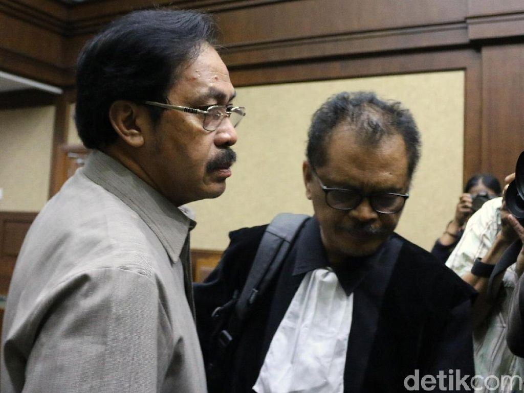 Beda Keterangan Sopir dan Pengusaha soal Duit ke Eks Gubernur Kepri