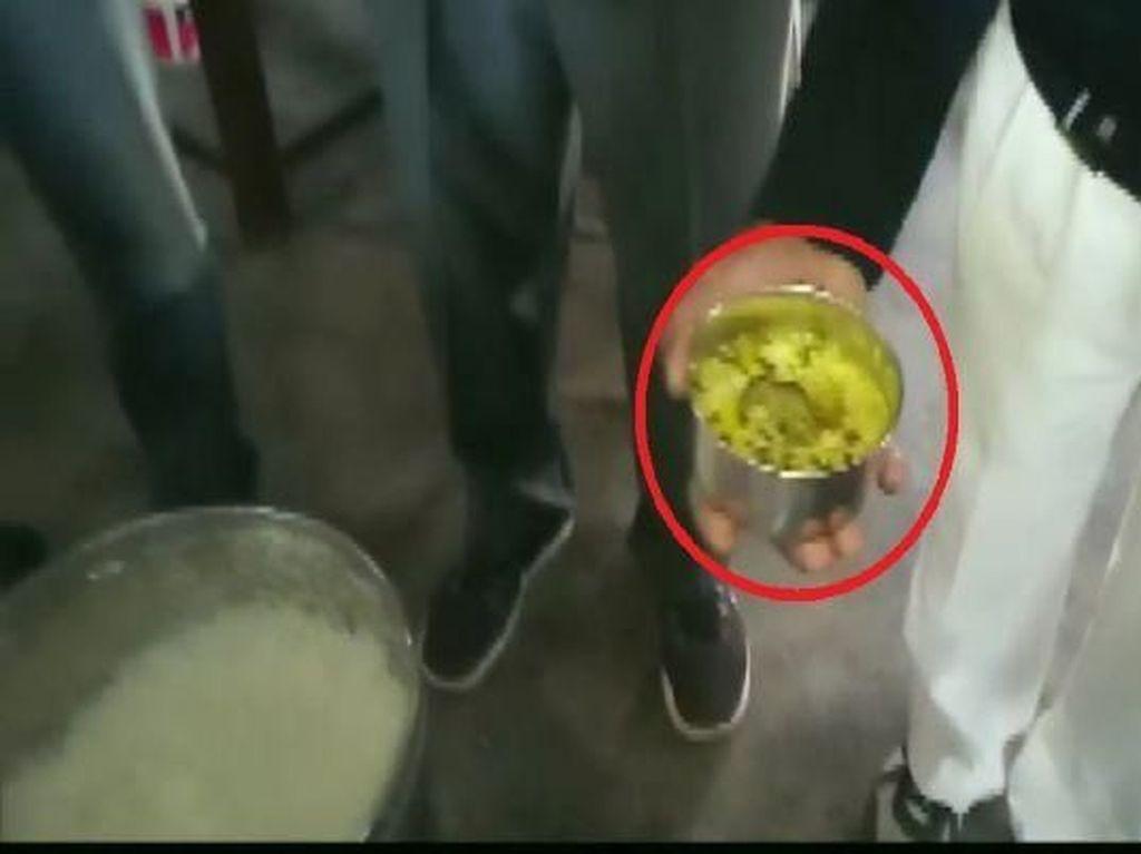 Waduh! Ada Bangkai Tikus Dalam Makanan, 10 Siswa di India Dilarikan ke Rumah Sakit
