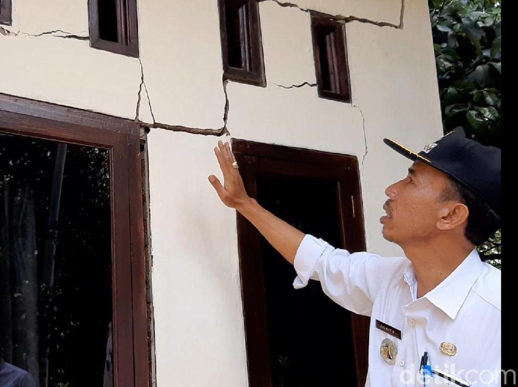 Ada Tanah Gerak, PVMBG Imbau Warga Puspahiang Tasikmalaya Mengungsi
