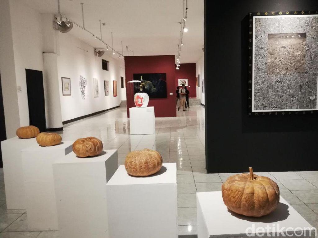 Mengenal Tanda-tanda Zaman Lewat Puluhan Karya Seni Gambar di Pasuruan