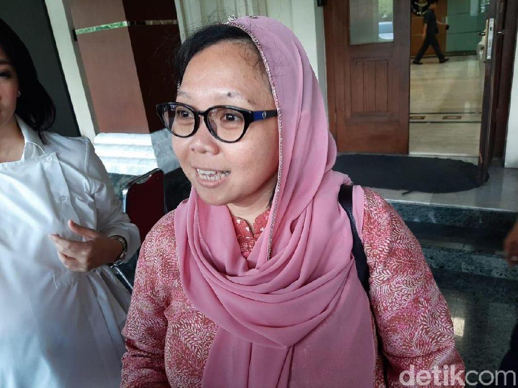 Viral Siswi Nonmuslim di Padang Diminta Berjilbab, Ini Respons Putri Gus Dur