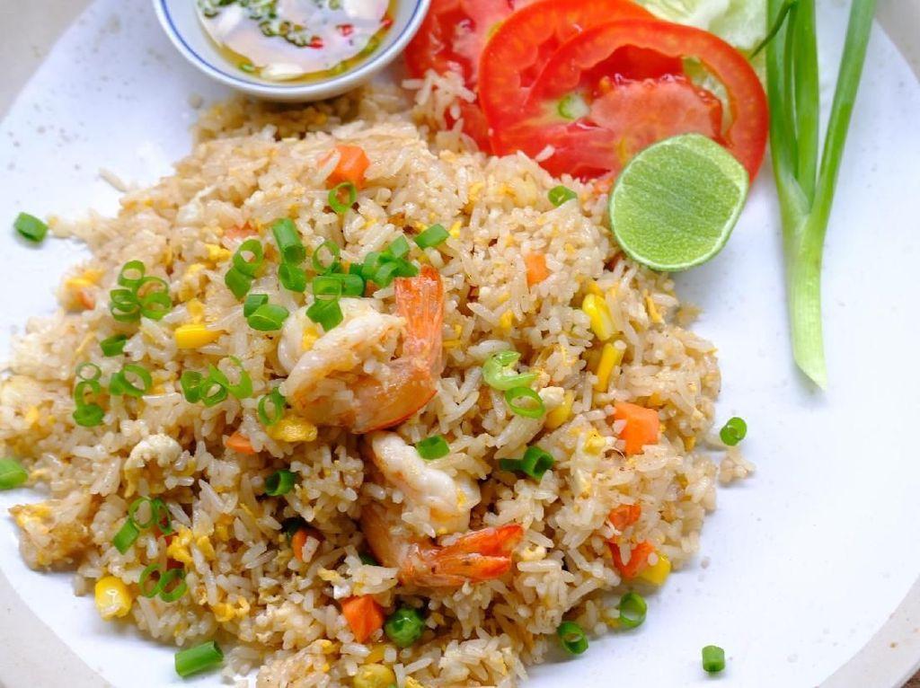 Hangat Segar Nasi Goreng Thai Untuk Isi Energi Pagi Hari
