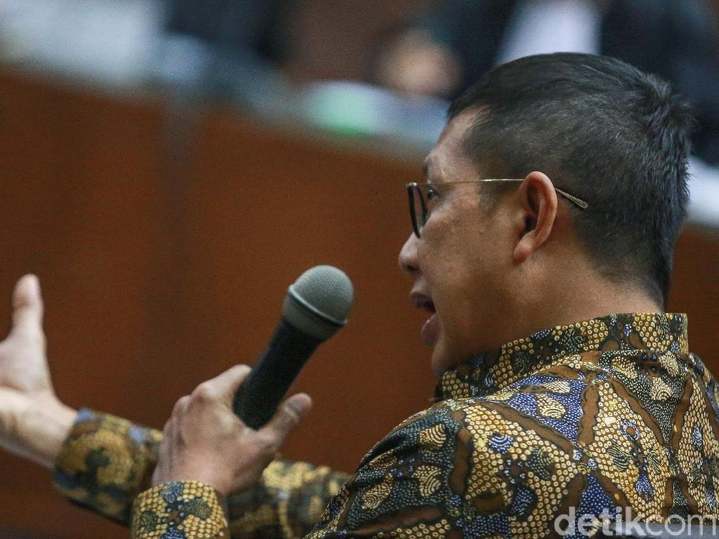 Jaksa KPK Minta Hakim Rampas Uang Ratusan Juta di Meja Eks Menag Lukman