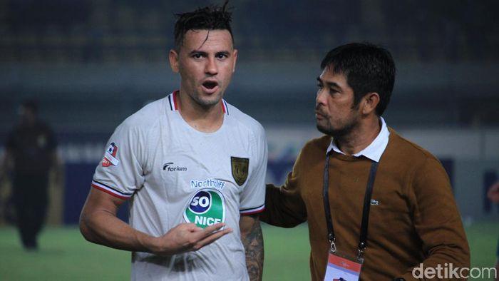 Nil Maizar bersyukur atas tiga poin Persela Lamongan di kandang Persib Bandung (Wisma Putra/detikSport)