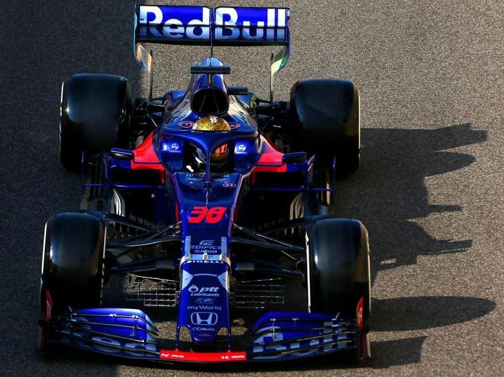 Sean Ikut Tes F1 Abu Dhabi: Beda Ban, Beda Rasa