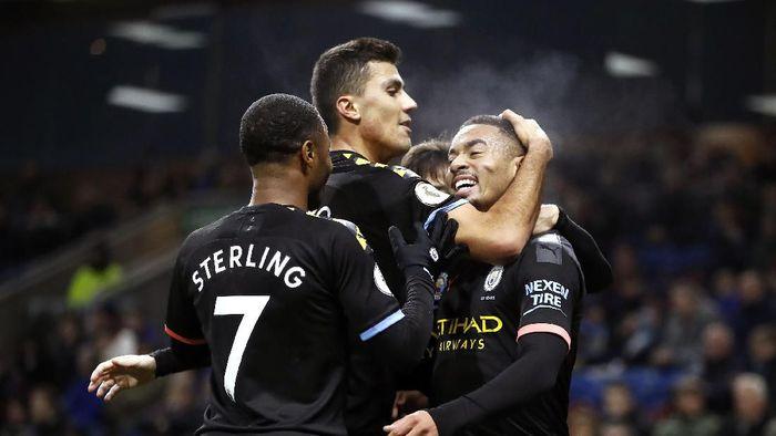 Gabriel Jesus dua gol, Manchester City bantai Burnley 4-1 (Martin Rickett/PA via AP)